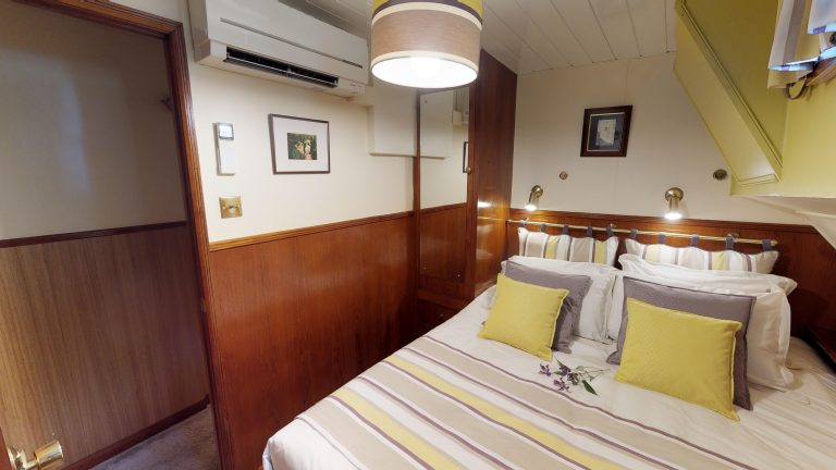 Barge-Rosa-Luxury-canal-cruises-in-France-05232018_090949
