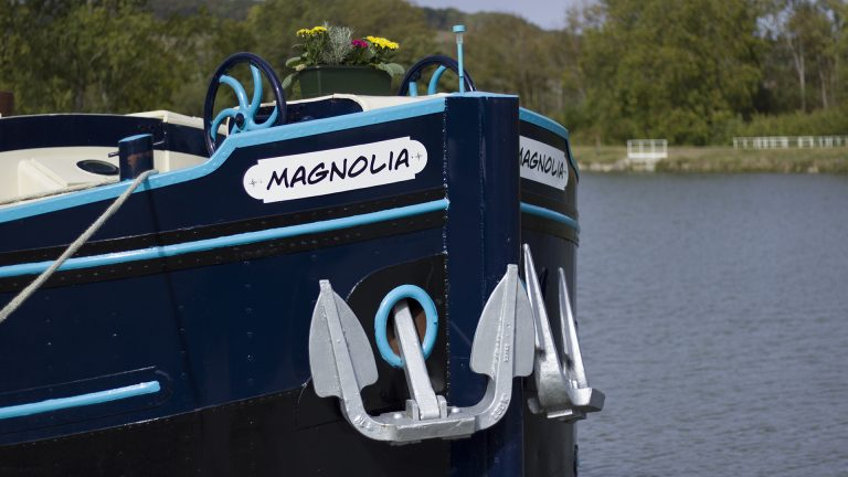 The-Hotel-Barge-Magnolia-Burgundy-Canal-canon-13.jpg